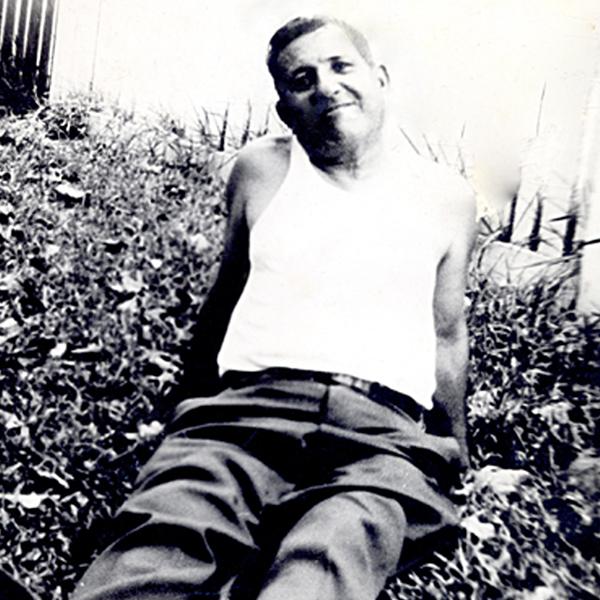 Arturo Fuente born